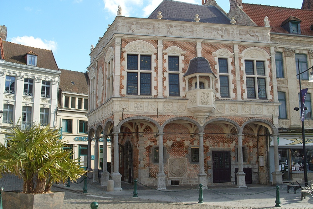 old baillage or court house aire-sur-la-lys