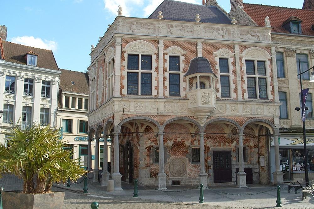 old baillage or court house aire-sur-la-lys